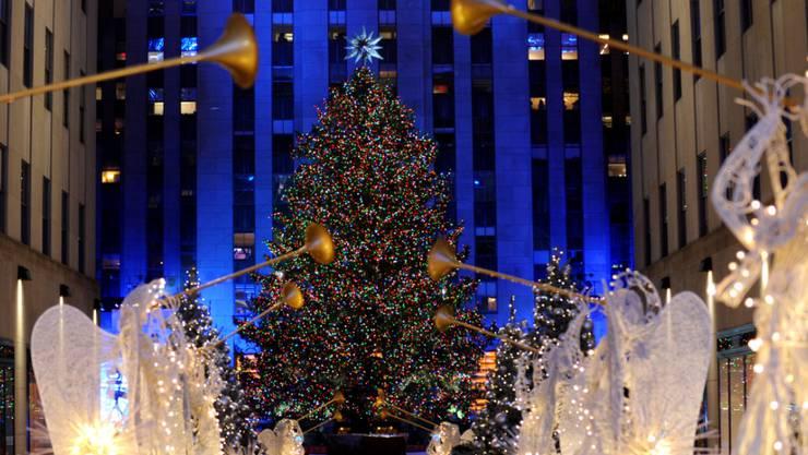 Weihnachtsbaum Explodiert.Weihnachtsbaum Am Rockefeller Center Leuchtet Wieder Vermischtes
