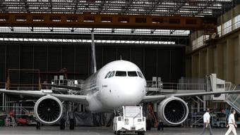 Von der Zusammenlegung des Zivilflugzeuggeschäfts von Airbus mit der Holding ist vor allem der Hauptstandort Toulouse in Frankreich betroffen. (Archiv)