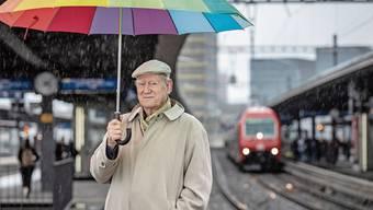 «GA» und «Postauto» zählen zu Franz Hohlers zehn deutschen Lieblingswörtern. Sein Roman «Gleis 4» wird auch in Sibirien gelesen.