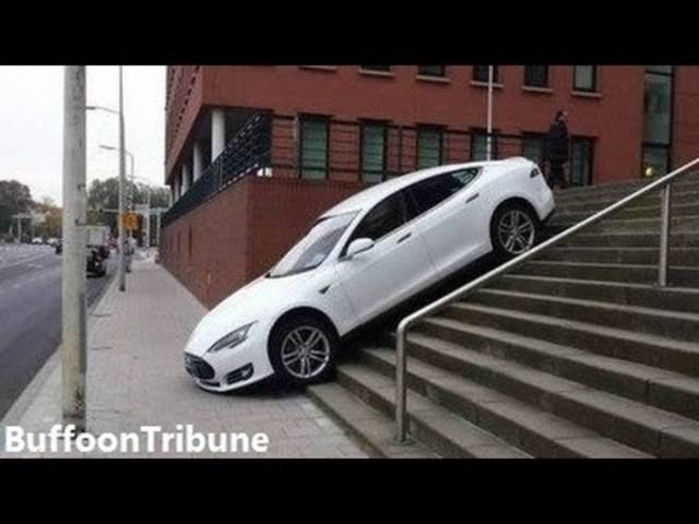 Tesla Autopilot Fail/Win Compilation