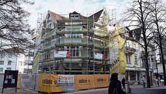 Die Bauarbeiten sollen bis Frühling beendet sein. Im Erdgeschoss entsteht eine attraktive Ladenfläche.