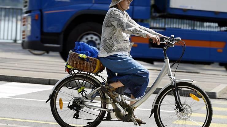 """Auch regelmässige Fahrten mit dem E-Bike können die Fitness verbessern. Dies hat eine Studie Basler Forscher im Rahmen der Aktion """"Bike to Work"""" gezeigt. (Symbolbild)"""
