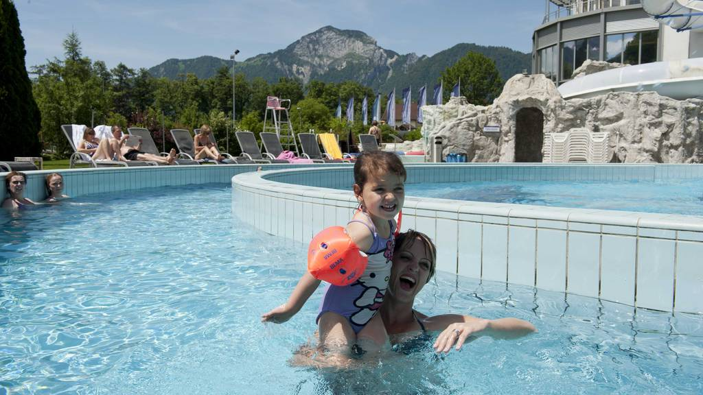Zwei Familieneintritte für den Swiss Holiday Park gewinnen
