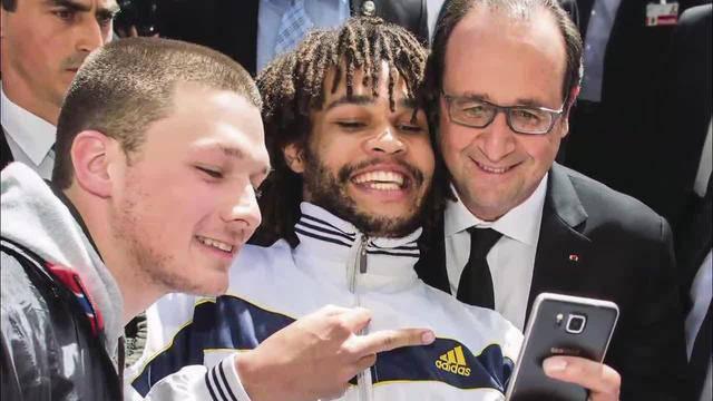 Entschuldigung für Stinkefinger-Foto mit Hollande