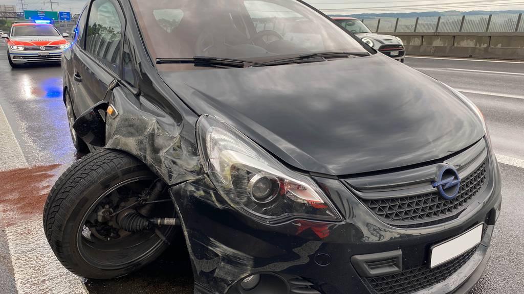 Selbstunfall ohne Führerausweis und mit fremdem Auto
