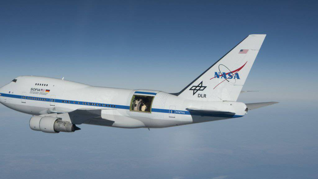 Die Boeing 747-SP mit dem Observatorium SOFIA, einem Projekt der amerikanischen Raumfahrtagentur NASA und des Deutschen Zentrums für Luft- und Raumfahrt DLR.