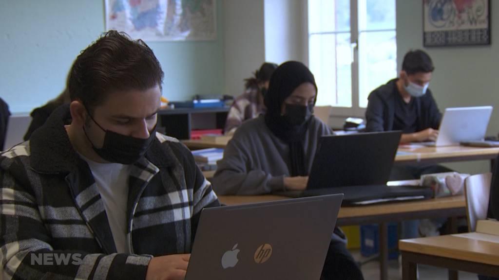 Klasse aus Langenthal veröffentlicht Buch über wie sich Jugendliche fühlen