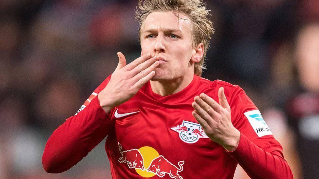Emil Forsberg zelebriert seinen Treffer zum 2:2