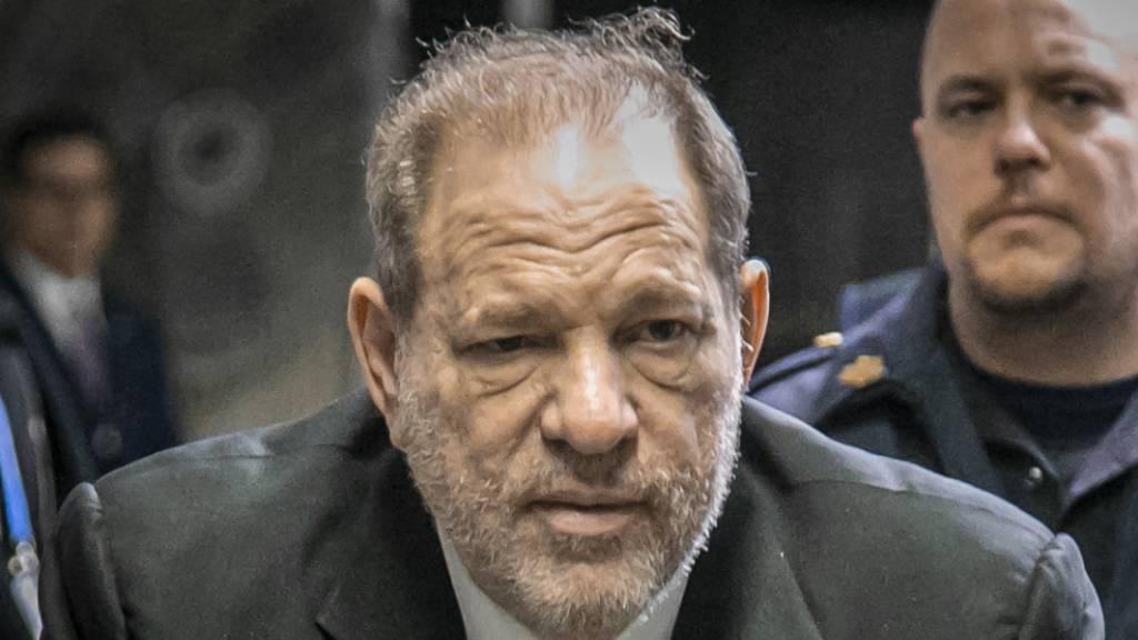 Erste Juroren im Weinstein-Prozess bestimmt