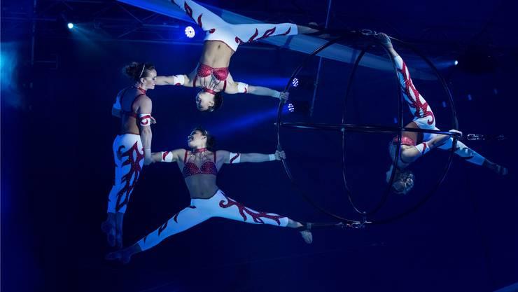 Sisters Regio aus Brasilien mit ihrer atemberaubenden Luftnummer. Daniel Desborough