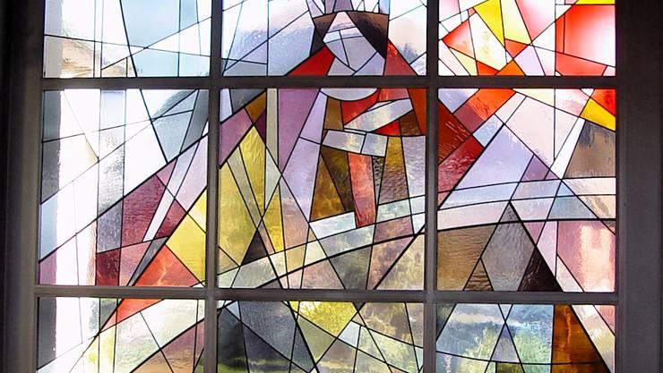 Krönung Mariens im Himmel. Fünftes Mosaikfenster von Caesar Spiegel. Aufnahme: Erich Schenker.