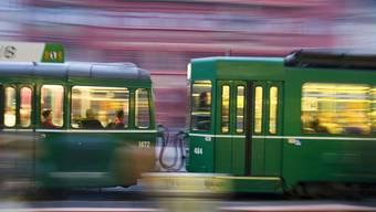 Für das Beseitigen von Exkrementen in Trams gibt es künftig eine Sonderprämie.  (Archiv)