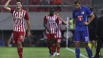 Die Griechen von Olympiakos Piräus konnten gleich viermal jubeln, rechts lässt Pascal Schürpf den Kopf hängen