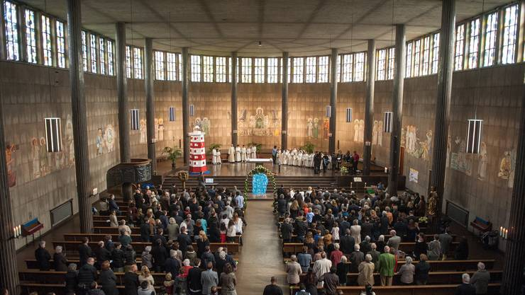 Bereits ab dem 28. Mai soll es wieder möglich sein, einen Gottesdienst zu feiern – zum Beispiel in der St. Karl-Kirche in Luzern.