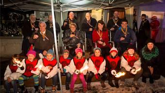 Trotz Regen: Die neun Geehrten wurden von der Spanischbrödlizunft auf dem Badener Cordulaplatz gefeiert. Alex Spichale