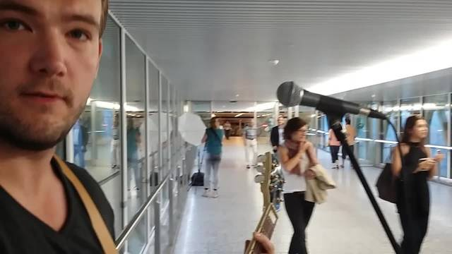 Flughafen-Musiker OwenMcCall