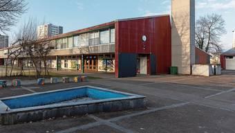 Der Standort Dohlenzelg wird prioritär behandelt: Vorgesehen ist ein Neubau für eine Primarschulanlage mit der Integration des Kindergartens sowie einer Doppelturnhalle.