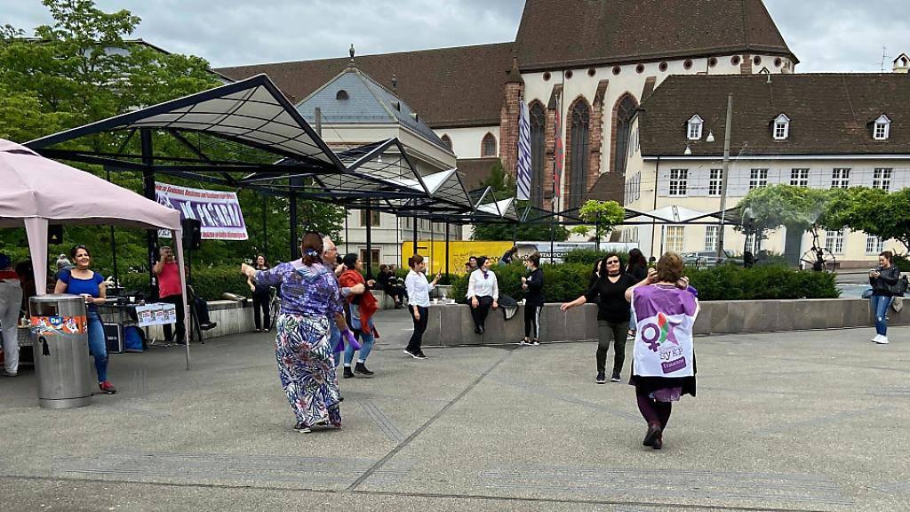 Zahlreiche Frauenstreik-Aktionen in Schweizer Städten