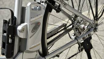 Die Akkus von Elektrobikes können ab November in neuen Schliessfächern geladen werden.
