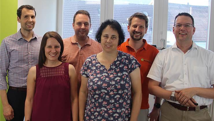 Von links: Christoph Bornand (Zahnarzt), Silvana Wenzinger (Apothekerin), Reto Wiederkehr (Vorstand Spitex), Marianne Werner (Geschäftsleitung Spitex), Simon Benz (Physiotherapeut), Daniel Rodriguez (Hausarzt).