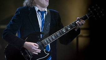 Gitarrist Angus Young in Aktion