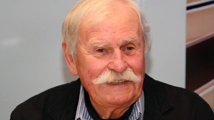 """Der tschechische Kinderbuchillustrator Adolf Born - hier 2010 auf der Buchmesse in Prag - ist gestorben. Er illustrierte über 250 Bücher, am liebsten Grimms Märchen und """"Robinson Crusoe"""" von Daniel Defoe. (Bild Wikicommons)"""