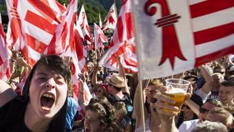 Ein neu gegründetes Komitee will sich mit allen Mitteln gegen den Wechsel des bernjurassischen Städtchens Moutier zum Kanton Jura wehren. Das Stimmvolk hatte im Juni 2017 dem Wechsel zugestimmt. (Archivbild)