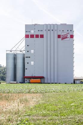 Die Getreidesammelstelle kann bis zu 100 Tonnen Getreide pro Stunde annehmen.