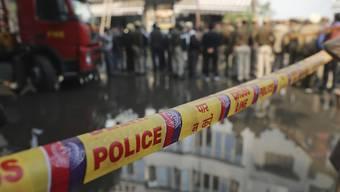 35 Personen wurden aus dem brennenden Hotel in der indischen Hauptstadt Neu-Dehli gerettet.