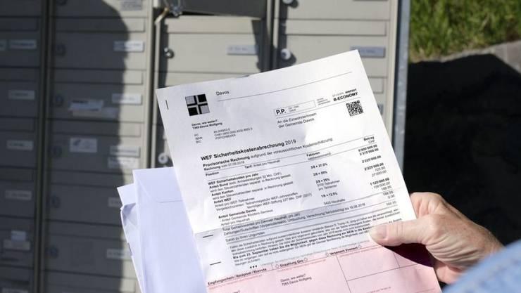 """Trotz Logo und Layout: Die """"WEF Sicherheitskostenabrechnung 2019"""", welche die Einwohner von Davos in ihren Briefkästen fanden, ist ein Fake."""