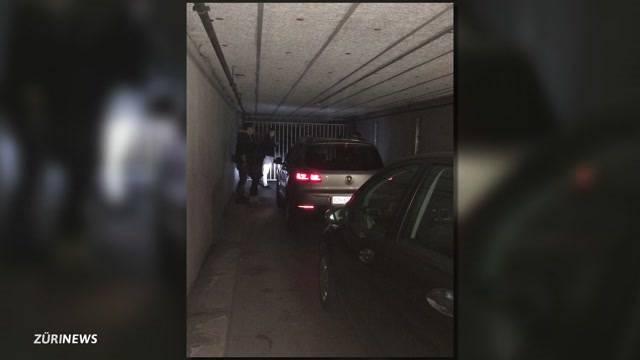 Kinobesucher wegen Zeitumstellung in Parkgarage eingesperrt