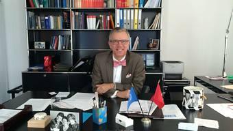 Der Schweizer UNO-Botschafter Paul Seger an seinem Arbeitspult in der Schweizer UNO-Mission in New York.