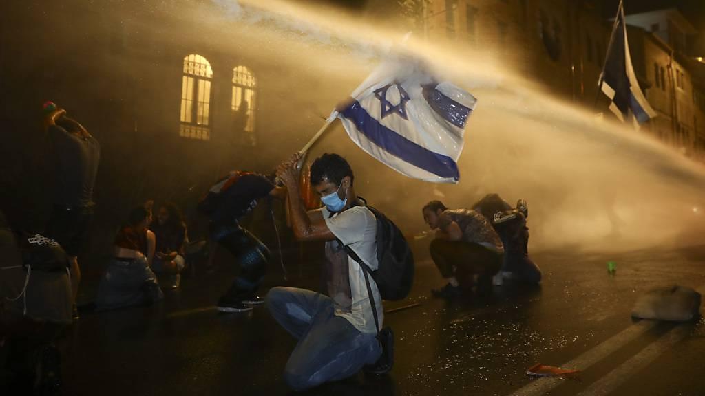 Tausende Israelis demonstrieren gegen Regierungspolitik