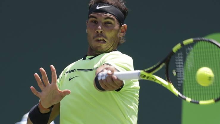 Rafael Nadal setzt Fabio Fognini mit seiner Vorhand arg unter Druck