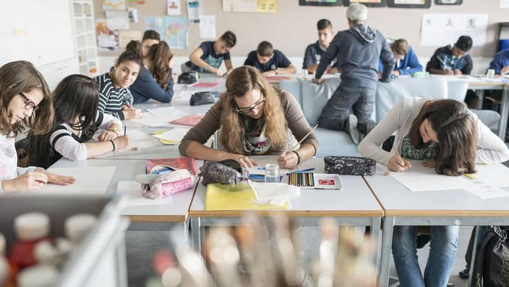 Die Initiative fordert eine Maximalzahl von 20 Schülern pro Klasse (Themenbild).