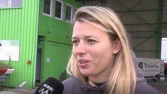Bei Karin Bertschi wurde erneut eingebrochen, diesmal im Recycling-Paradies Reinach. Die Einbrecher zerstörten dabei das Eingangstor mit einem Bagger.