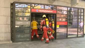 Der Brand in der Notaufnahme konnte zwar schnell gelöscht werden, wegen der Rauchentwicklung mussten dennoch Patienten evakuiert werden..jpg