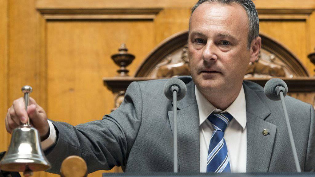 Der frühere Nationalratspräsident Stéphane Rossini verzichtet auf eine Kandidatur für die Walliser Regierung und beendet damit den Machtkampf in der Walliser SP. (Archivbild)