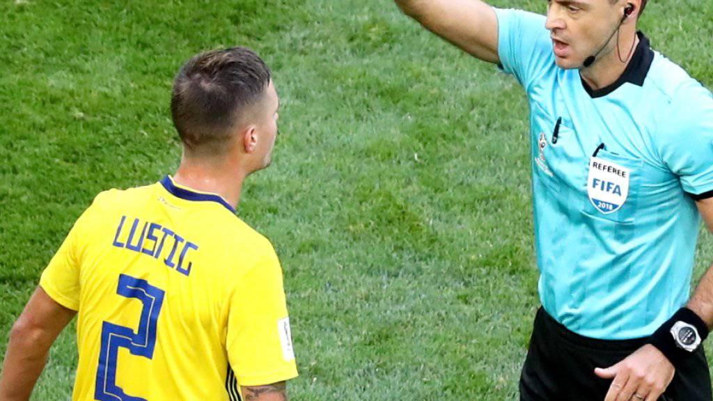 Entschuldigte sich bei Granit Xhaka - und fehlt im Viertelfinal wegen einer Gelbsperre: Mikael Lustig