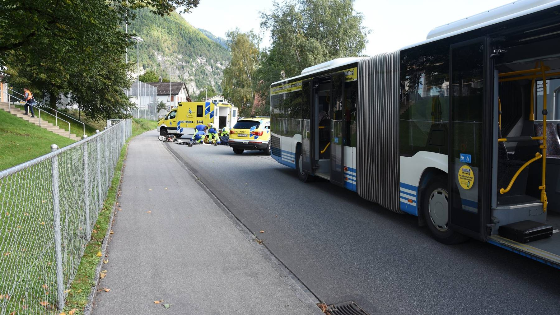 Der 87-jährige Töfflifahrer wurde beim Unfall schwer verletzt.
