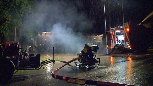 Vor allem das Freiamt wurde von den Untwettern getroffen: Nächtliche Feuerwehreinsätze in Mühlau und Beinwil.