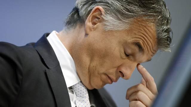 Die Probleme um den Stellenabbau spitzen sich zu: UBS-CEO Sergio Ermotti. Foto: Walter Bieri