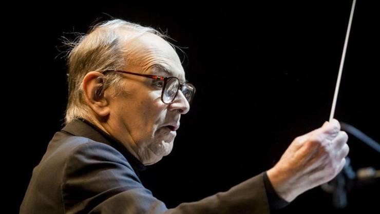 """Ennio Morricone muss seine nächsten Konzerte absagen: Der 87-jährige """"Spiel mir das Lied vom Tod""""-Komponist leidet an massiven Rückenproblemen. (Archivbild)"""