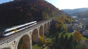 Das Läufelfingerli über dem Viadukt Rümlingen. Ob es weiterfährt, entscheidet sich am 26. November an den Baselbieter Urnen.