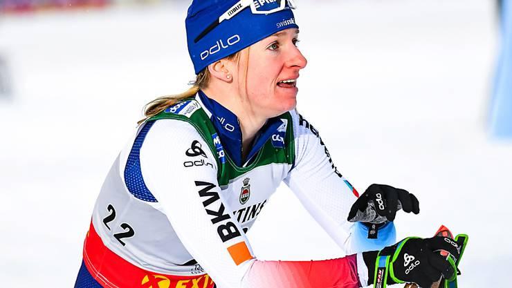 Nadine Fähndrich ausgepumpt im Ziel.