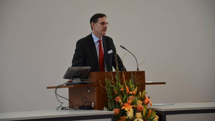 Regierungsrat Mario Fehr hielt eine Rede zum 25-Jahr-Jubiläum des Waffenplatzes Reppischtal
