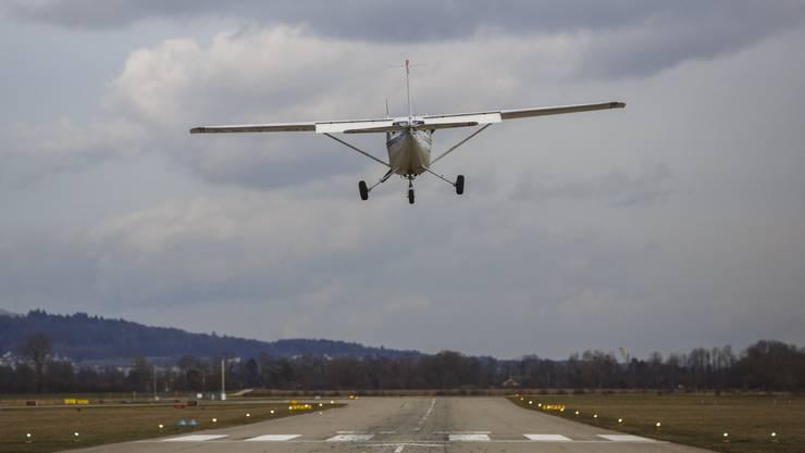 Künftig dürfen die Piloten nur zwischen 17 und 9 Uhr in Eigenregie starten und landen.
