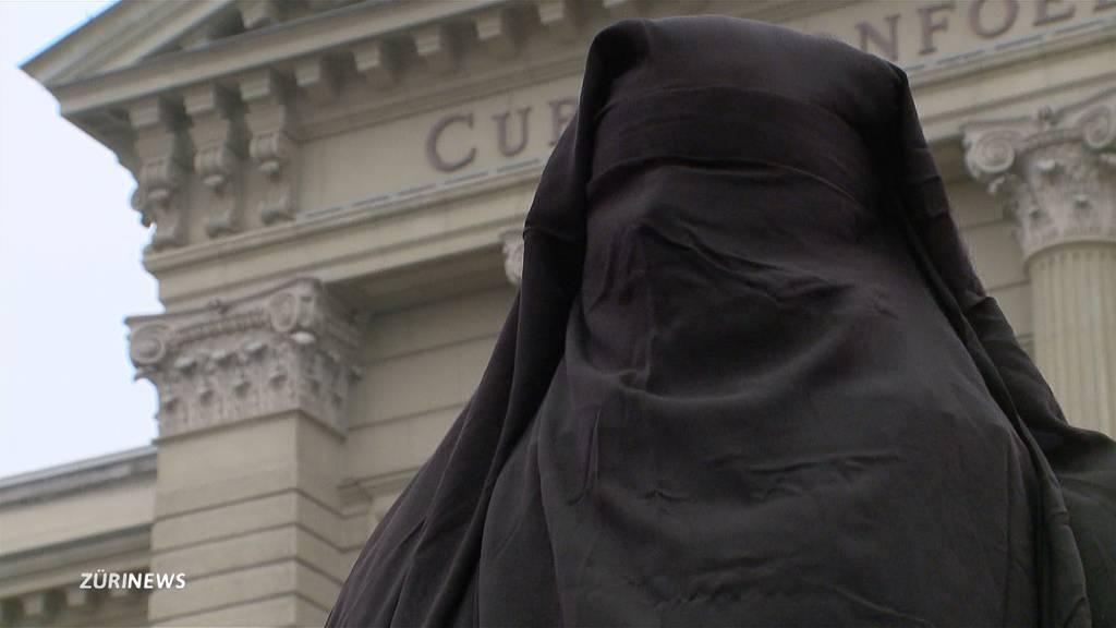 Mehr Rechte für islamische Frauen statt Burka-Verbot