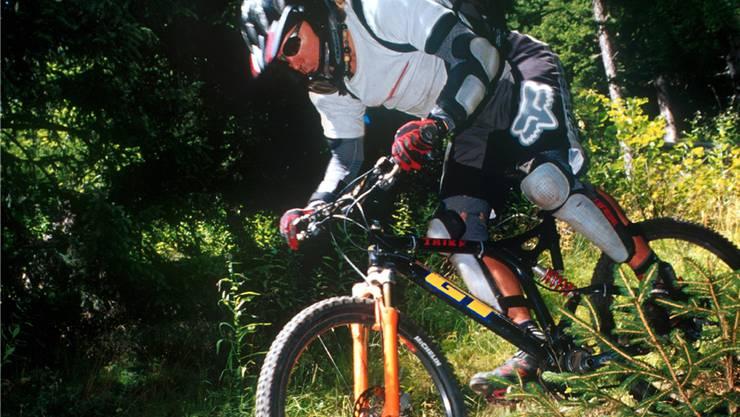 Ein Biker in voller Ausrüstung.