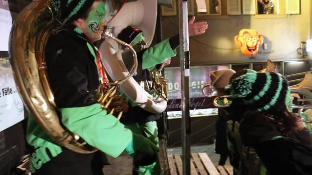 Trompeten, Posaunen und gute Stimmung am Guggen-Openair in Klingnau